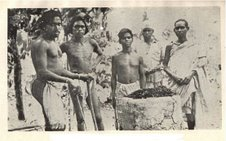 An old undated photograph of Asur tribesmen.