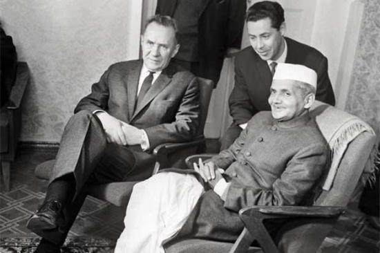 Alexei Kosygin (Soviet PM) & Lal Bahadur Shastri in Tashkent. Photo: RIA Novosti/AFP; courtesy - livemint.com
